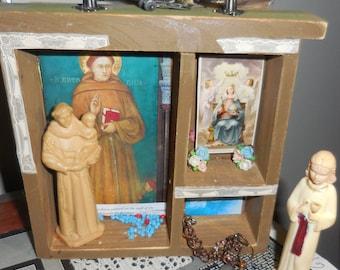 Saint Anthony  Shrine  / Saint Anthony Finds Lost Objects / Wood Niche Shrine