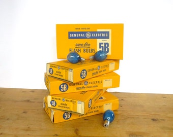 Vintage General Electric flash bulbs 12 GE 5B Sure Fire Camera flash bulbs Dozen flash bulbs Blue flash bulb New in box Camera collectiblles