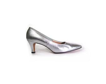 Vintage 60s Silver Mod High Heel Pumps women 7.5 8 Narrow Mad Med Retro Preppy Secretary Christmas New Years Glam Minimalist Made in USA
