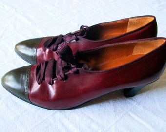 Womens High Heel Oxfords // Burgundy Red Brown Heels // Leather Shoes Ribbon Laces // Size 8.5 Perry Ellis 1990s // CHIPPED HEEL TAP