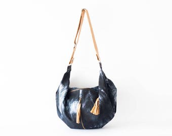 Cotton cross body bag with shibori print and brown leather, crossover bag slouchy messenger purse everyday- Crossbody Kallia bag