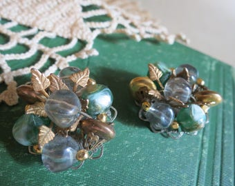 Vintage Retro 1950s Cluster Bead Clip Back Earrings