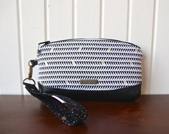 Clematis Wristlet in Libs Elliott Static Age in White (lightning bolts) with black faux leather