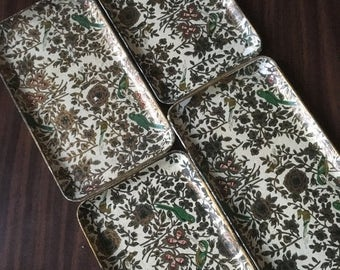 Holiday Sale. Set of Vintage Decorative Paper Trays.