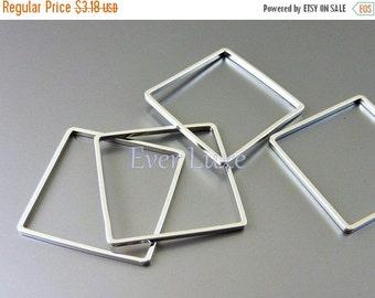15% SALE 4 polished rhodium silver plated simple square pendants, geometric square shape 1447-BR-20