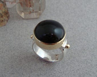 Round Black Onyx Ring in 18k Gold and Sterling Silver, Classic Black Ring in Silver and Gold