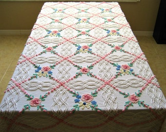 """Vintage Cabin Crafts Needle Tufted Roses and Wildflowers Floral Chenille Bedspread 89"""" x 100""""  FREE US Lower 48 states SHIPPING"""