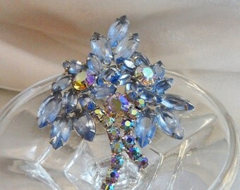 CHRISTMAS SALE Vintage Juliana Brooch. D&E. Delizza and Elster. Ice Blue Rhinestones. Ab