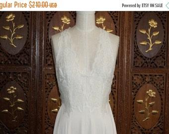 ON SALE 1970s GLYDONS Hollywood White Lace Bridal Peignoir Gown Sz M