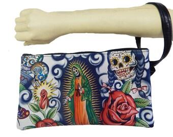 """USA Handmade Clutch Purse, Pouch Wristlet Makeup Bag With """"HOLLY CONTIGO"""" Pattern Cosmetic bag,   New, rare"""
