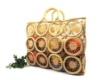 vintage 70s woven grass beach bag macrame raffia basket circle modern modernist minimal minimalist purse carryall summer resort tote square