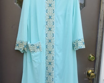 VTG 50s  womens aqua blue w embroidery nylon lounger robe  large to xl