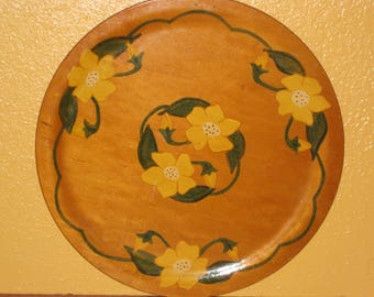 Wooden Plate Platter Hand Painted Folk Art Floral Daffodils Signed 1950 Wooden Kitchenware 14 inch Round Fifties Decor Yellow Flowers