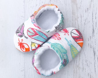 Soft sole shoes - feather baby booties - soft sole baby shoes - baby booties - crib shoes - newborn shoes - prewalker shoes - toddler shoes