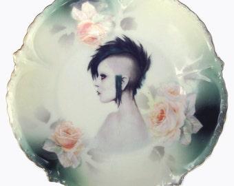 "Modern Lady Portrait Plate 6.5"""