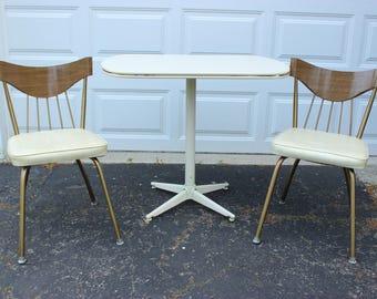Vintage Retro Gold Brown White Kitchen Dining Room Pedestal Table 2 Vinyl Metal Chairs