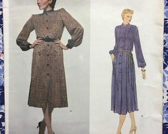 Vogue 2200 GIVENCHY Paris Original UNCUT vintage pattern Size 10 Misses Dress