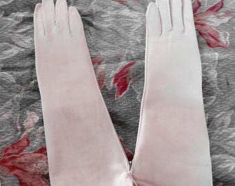 My Hands Look Great Vintage White Van Raatle Flexible  Gloves Never Used Fore Arm
