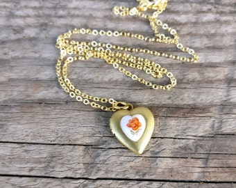 tiny vintage heart locket necklace | floral heart cabochon | for your valentine | 1950s Japan heart cabochon