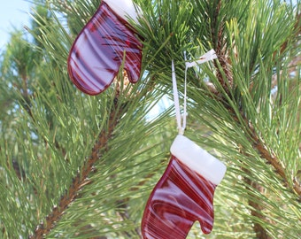 CHRISTMAS TREE ORNAMENT-Little Red Mitten Fused Glass Tree Trim, Gift for Coworker, Glass Ornament Exchange Gift, Gift for Teacher, 10 Gift