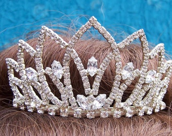 Vintage rhinestone tiara comb spiky design prom pageant wedding bridal headdress headpiece 1980s fashion (AAA)
