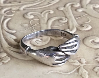 Vintage Clasped Hands Sterling Silver Sweetheart Ring Small Size