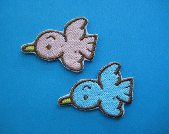 SALE~ 2 pcs Iron-on Embroidered Patch Bird 1.4 inch