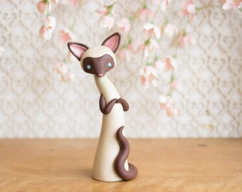 Chocolate Point Siamese Cat Sculpture by Bonjour Poupette