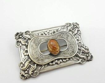 Art Nouveau Blister Pearl Brooch Fine Details C clasp Victorian