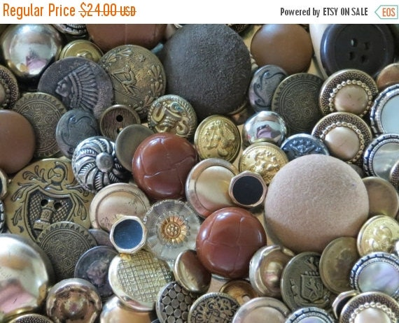 ON SALE Vintage Button Lot-Brass-Metal-Indian Headdress-Military-Crest-More-Over 100pcs