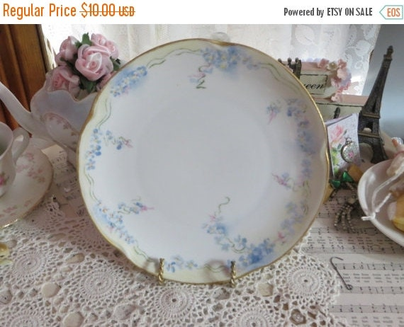 ON SALE Shabby Decorative Plate-Blue and Pink Roses and Ribbons