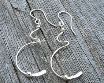 10 dollars off: Tiny Movement Pregnancy Earrings