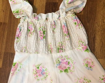 Ladies Sun Dress Polyester White Floral Maxi Deess Vintage 70s Womens Size Medium Smocked Stretchy Bust