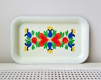 Vintage Metal Tray by The Ohio Art Co., Cream Yellow Blue Green Red Hearts, Scandinavian Bohemian Folk Art, Made in USA