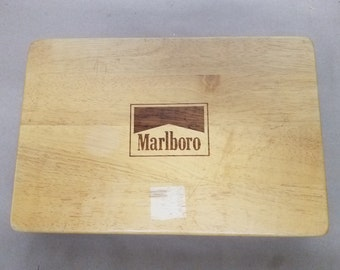 Vintage Marlboro Card and Chips Set