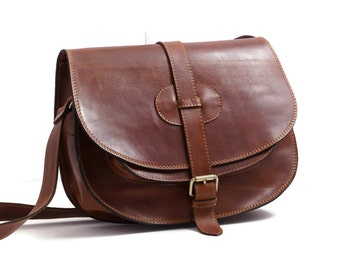 "Goldmann xl-medium brown leather saddle bag leather messenger leather cross-body purse fits a 11"" laptop"
