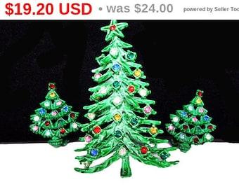 Enamel Green Christmas Jewelry - MOD Rhinestone Christmas Tree Brooch & Clip on Earrings - Vintage 1960s 1970s  - Multi colored Rhinestones