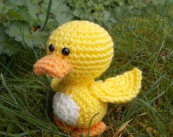 Amigurumi chick, crocheted chick, yellow chick, crocheted bird, Easter chick, Easter Amigurumi, baby chick