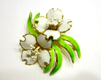 "Vintage White Flower Brooch Green Enamel Pin 2"" Large Spring Jewelry Gift Idea for Her Under 30 Jewelry Gift"