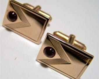 Mid Century Hickok Mens Cuff Links Red Glass Cabochon Gold Tone Rectangle Classic Office Style 217gz