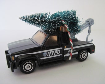 NYPD GMC WRECKER - Matchbox - Christmas Ornament, Christmas Village - Tree Tied to Top