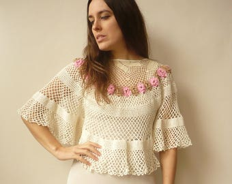Vintage Hand Made Crochet Floral Hippie Caplet Poncho Tunic Top Size S/M