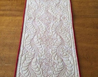Red and White Rose Quilted Table Runner