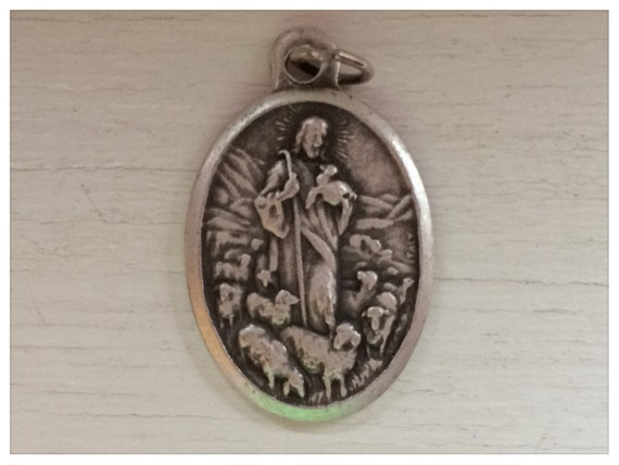 5 Patron Saint Medal Findings, Good Shepherd, Jesus, Die Cast Silverplate, Silver Color, Oxidized Metal, Made in Italy, Charm, RM1105