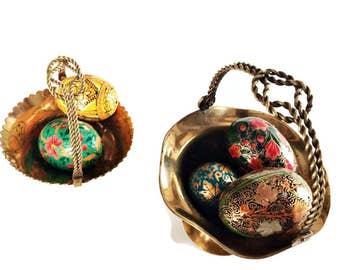 Vintage  Pair Brass Basket Bowls / Solid Brass Bathroom Accessory/Brass Desk Decor/ Easter Baskets / Vintage Brass/ Knot Handles