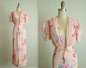 40's Gown  / 1940's Peach Floral Print Bridal Dressing Gown Robe L