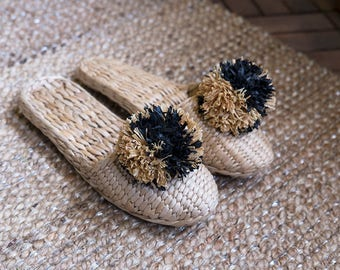 the esme house shoe | beach shoe | bohemian shoe | straw slipper | pom pom slipper