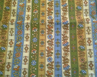Large Vintage Waverly Fabric Samples  Calico Liner In Golden Rod X0627