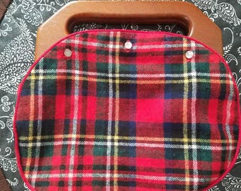 Vintage The Beehive Baltimore Tartan Plaid Wool Bermuda Bag Purse Wooden Handles 1960s 1970s Buttons