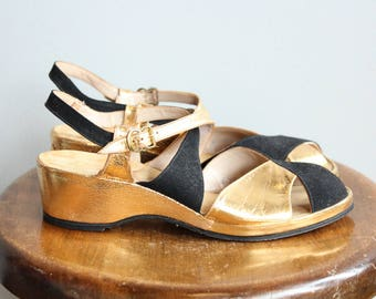 1940s Sandals // Black & Gold Leather Wedge Sandals // vintage 40s wedges // 7N
